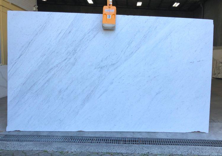 Carrara Honed 1452